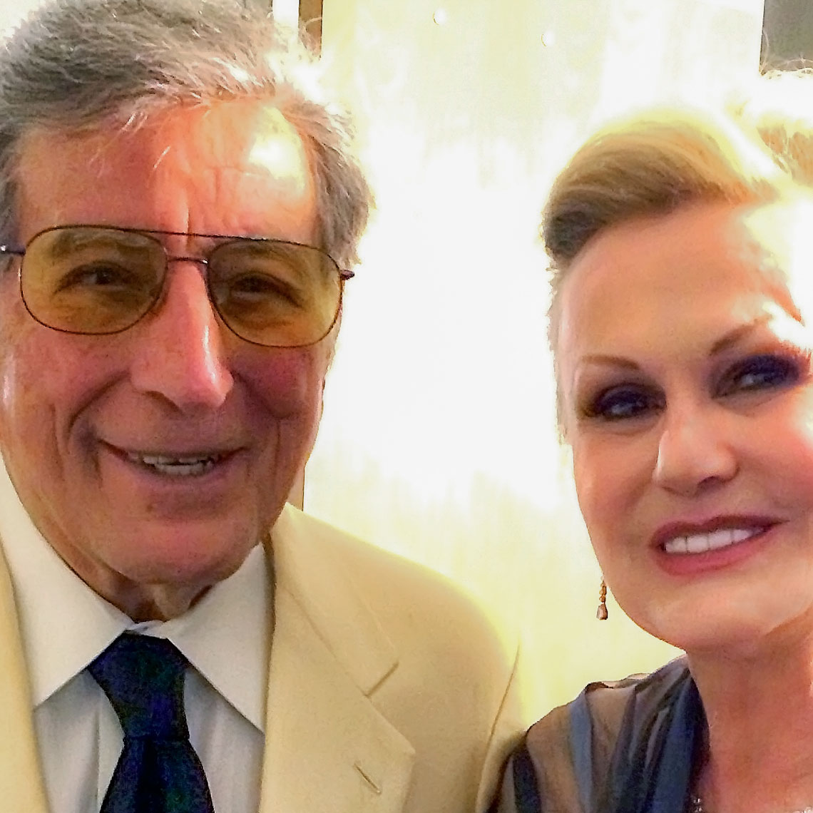 Tony Bennett with Laura Taylor, backstage in Aspen.